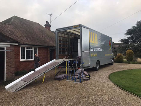 our private house removals Trux